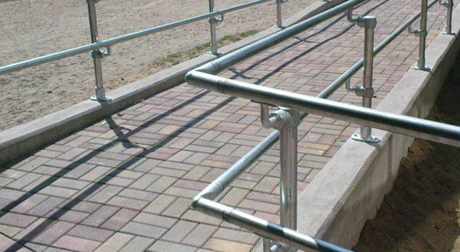 Benefits of using handrails
