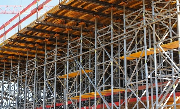 Advantages of Using Scaffolding Services in Construction