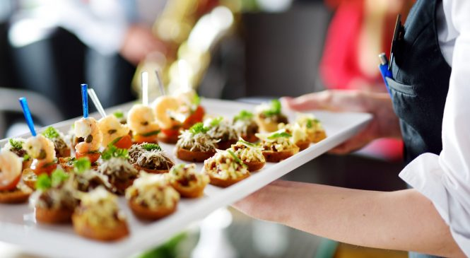 How To Find The Best Caterer For Your Business Event