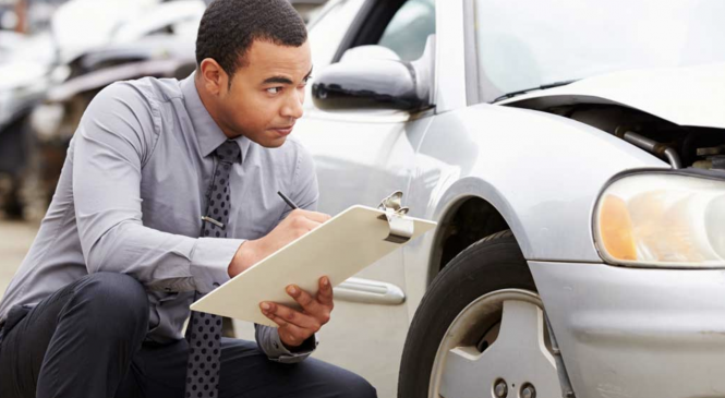Four Steps to Becoming an Insurance Adjuster