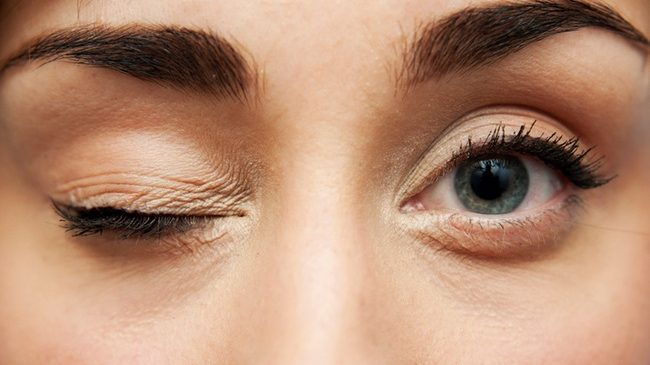 What Causes Eye Dryness?