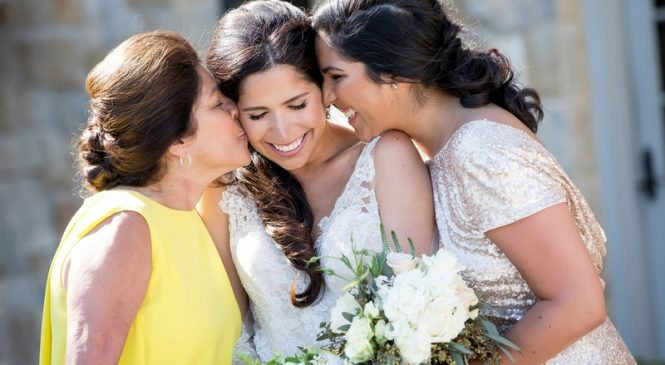 Tips on How to Help the Bride's Mother during the Wedding Day
